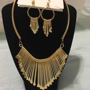 Goldtone statement necklace